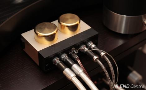 Повышающий трансформатор Ikeda IST-201 для головок звукоснимателя MC